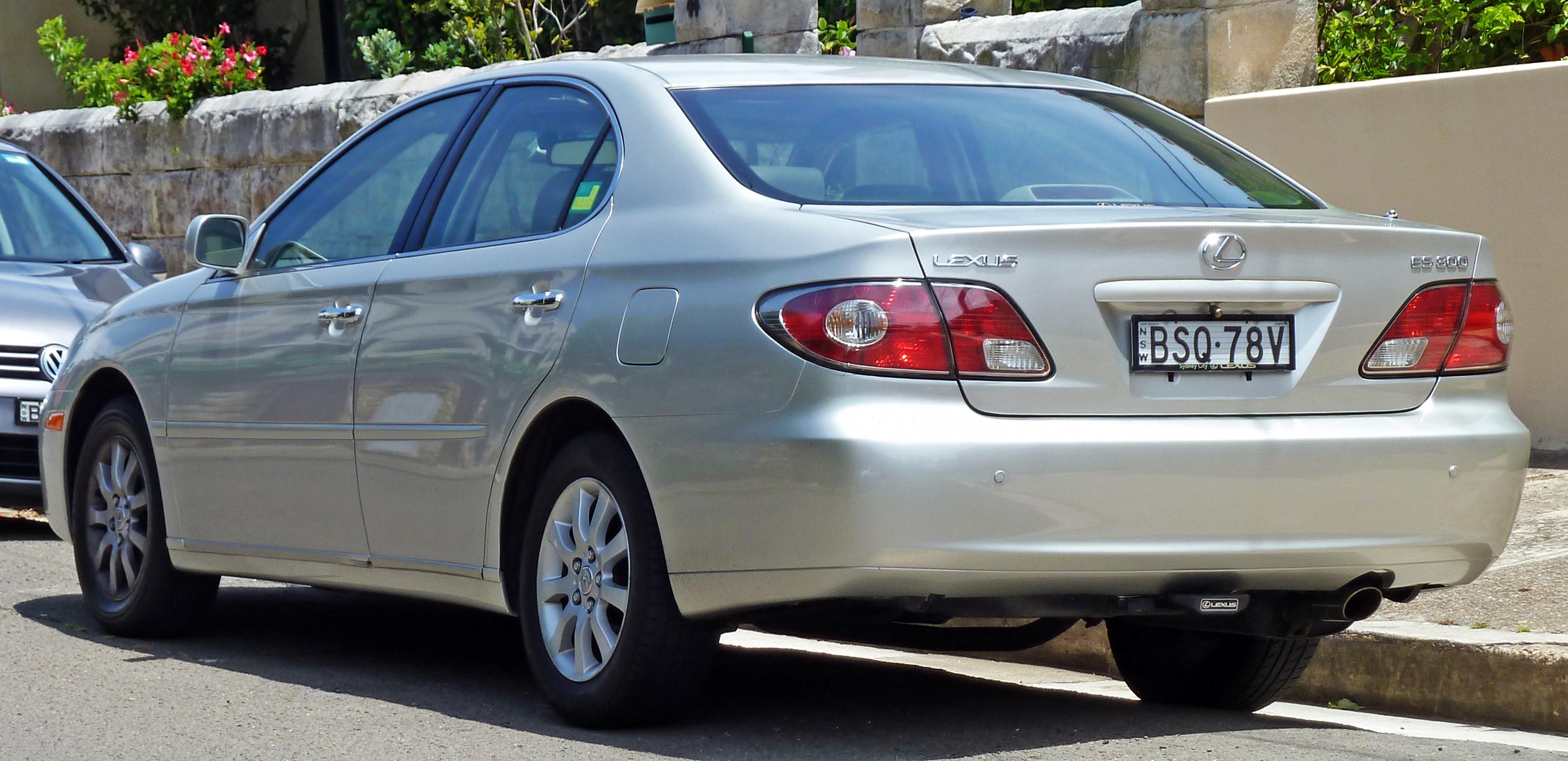 File 2003 Lexus ES 300 MCV30R sedan 2011 01 05 Wikimedia