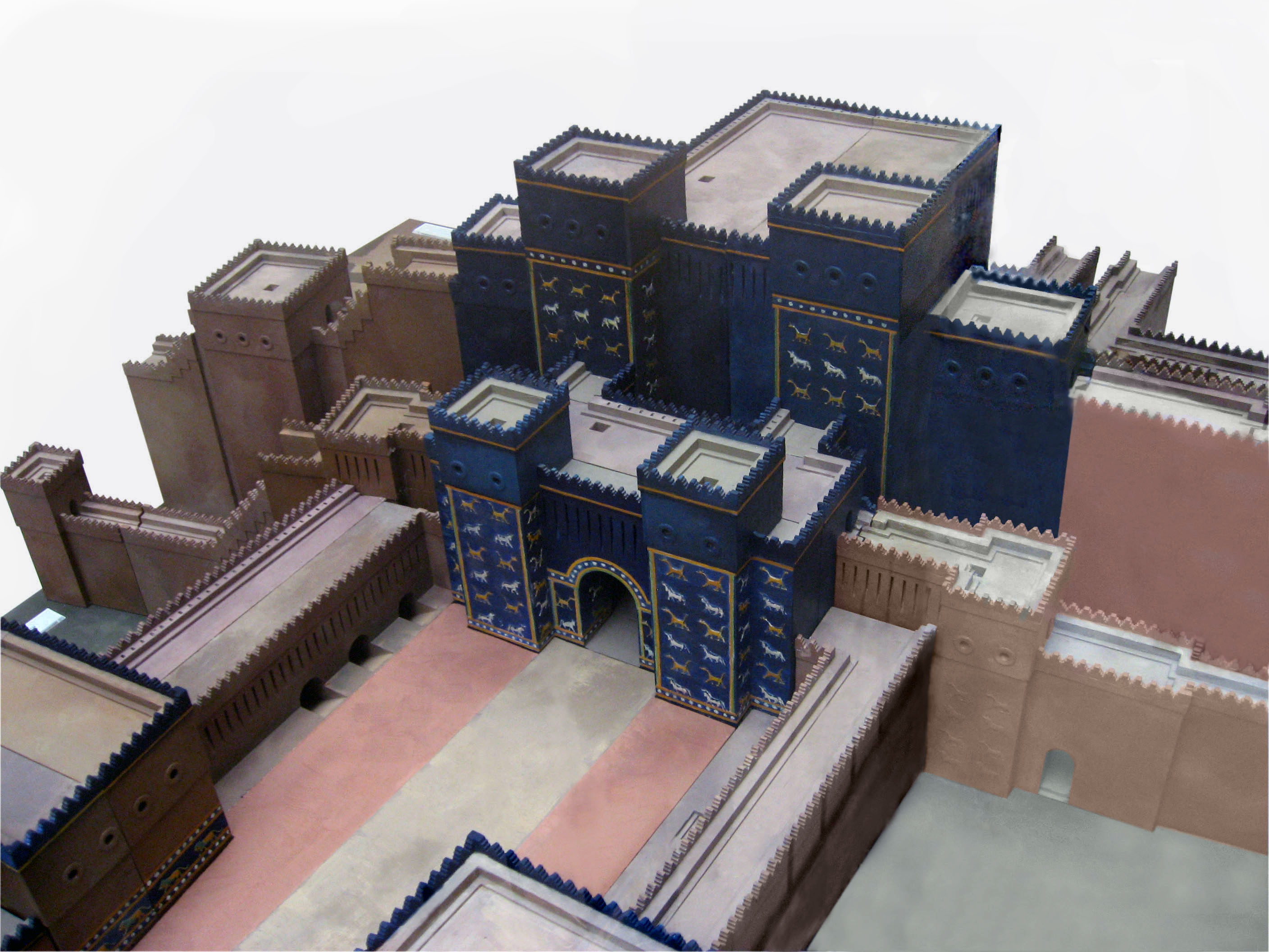Model of the Ishtar Gate.