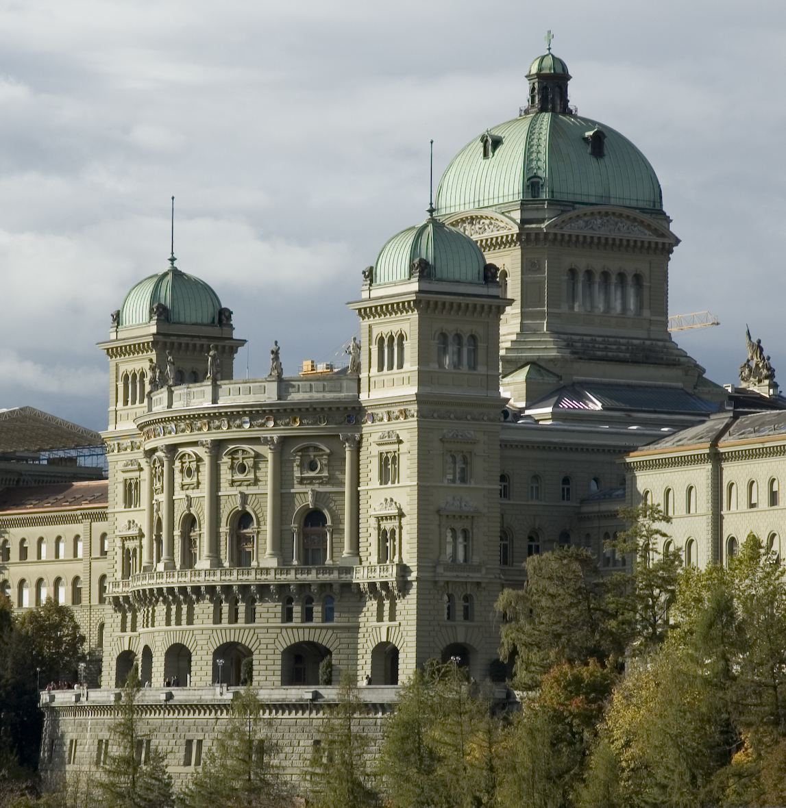 The Swiss Federal Palace (Bundeshaus) in Berne...