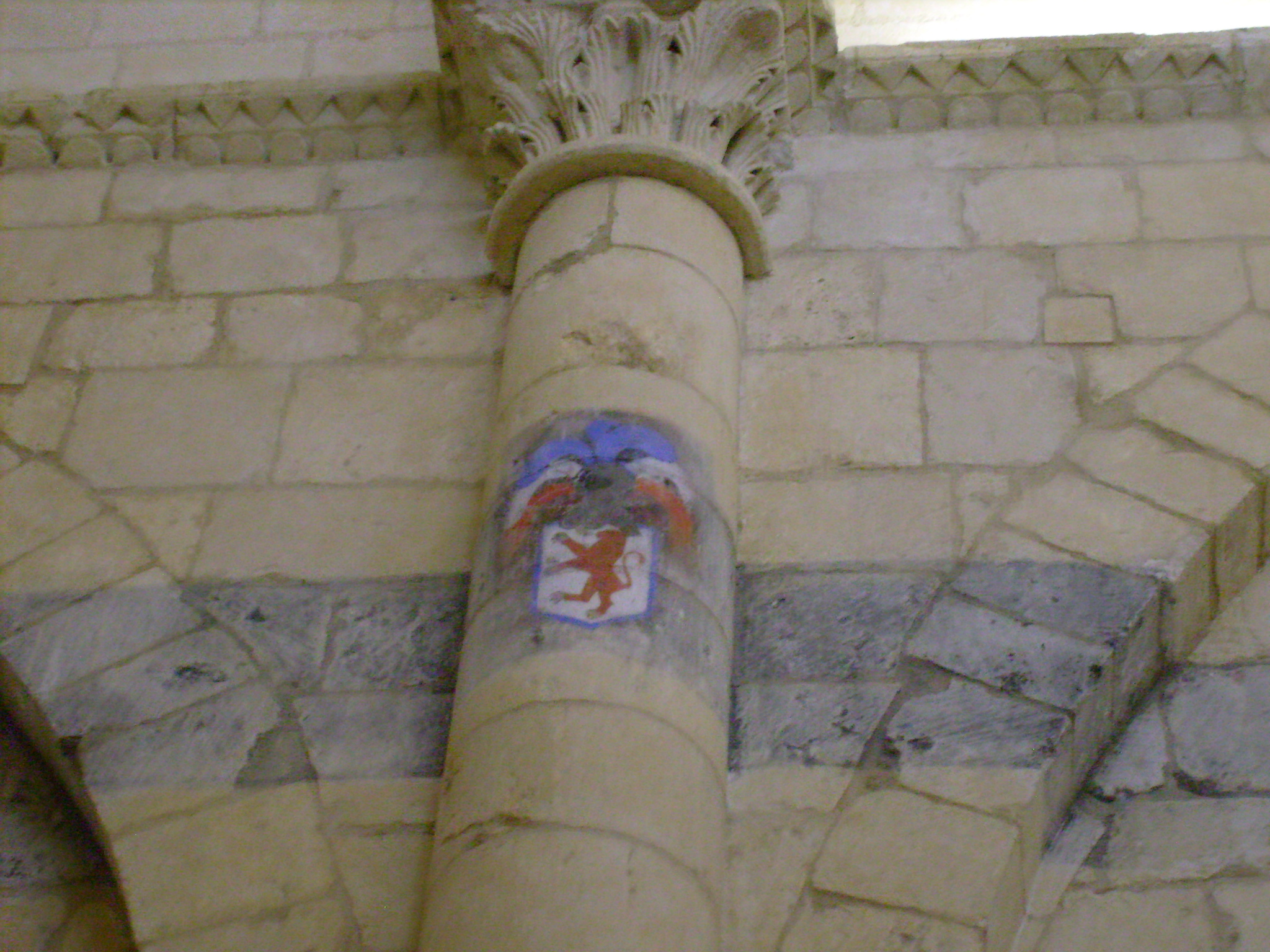 Litre in der Kirche von Rioux (Charente-Maritime), Foto von Cobber17, Lizenz: Creative Commons Attribution 3.0/CC by