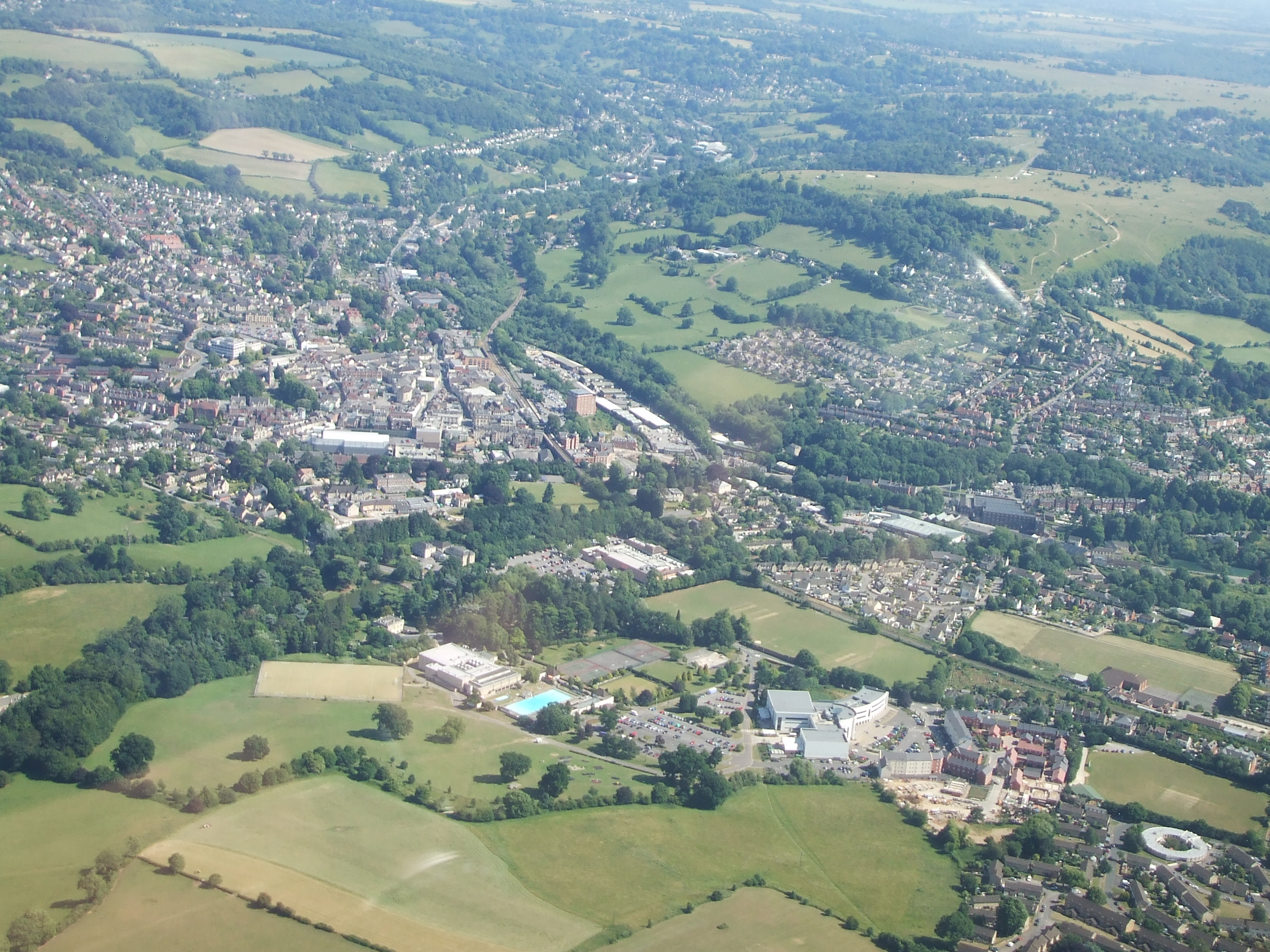 File:Stroud from the air.jpg - Wikimedia Commons
