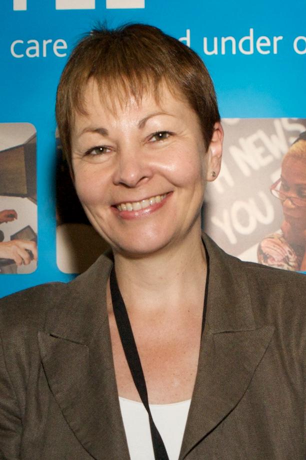 https://i1.wp.com/upload.wikimedia.org/wikipedia/commons/f/f1/Caroline_Lucas_Smile.jpg