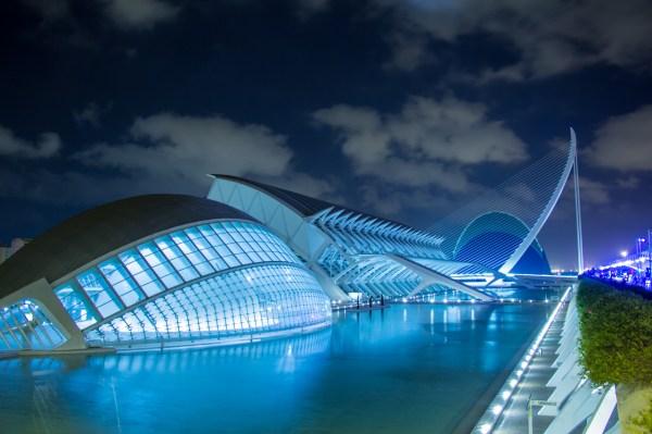 File:La ciudad de las ciencias y las artes.jpg