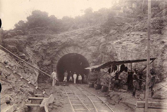 pembangunan terowongan kereta notog 3