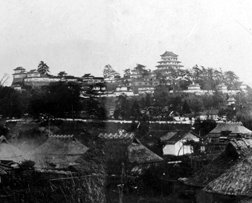 File:Tsuyama Castle old potograph.jpg