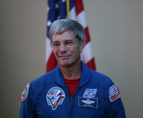 I TEMPI SONO MATURI Space Shuttle astronaut explains UFO