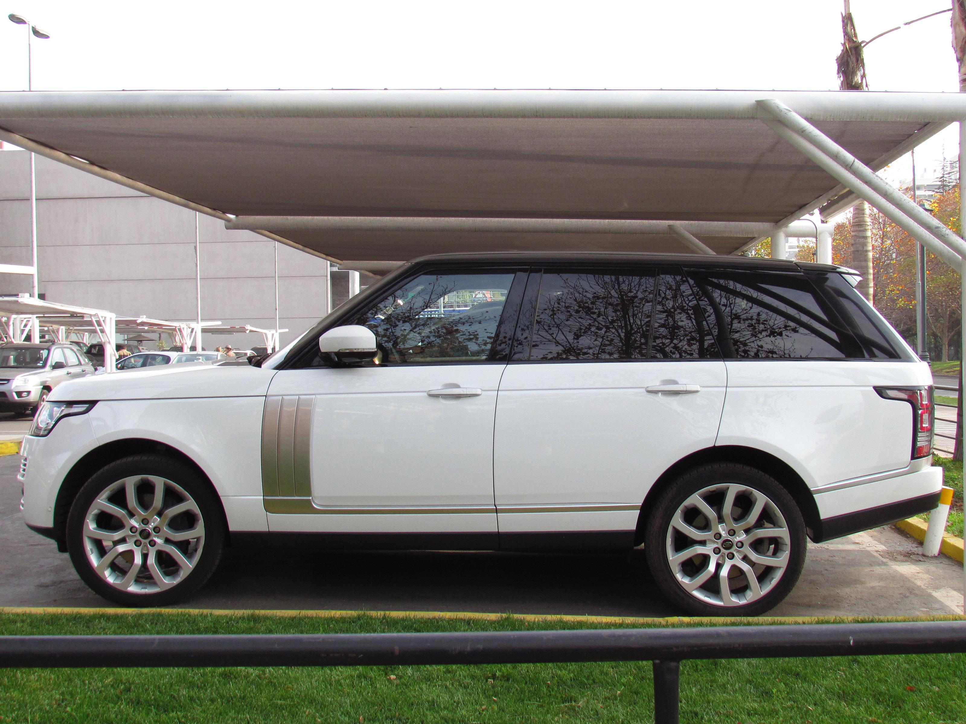 File Land Rover Range Rover Vogue SE Supercharged 2014