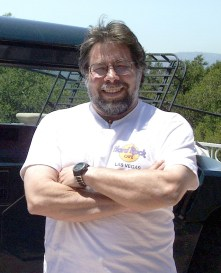 https://i1.wp.com/upload.wikimedia.org/wikipedia/commons/f/f6/Steve_Wozniak.jpg?resize=221%2C273