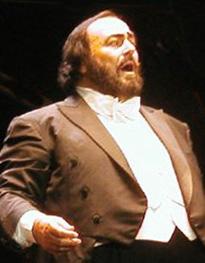 English: Luciano Pavarotti in Vélodrome Stadiu...
