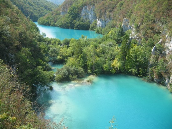 https://i1.wp.com/upload.wikimedia.org/wikipedia/commons/f/f7/Plitvice-2003.JPG?w=550&ssl=1