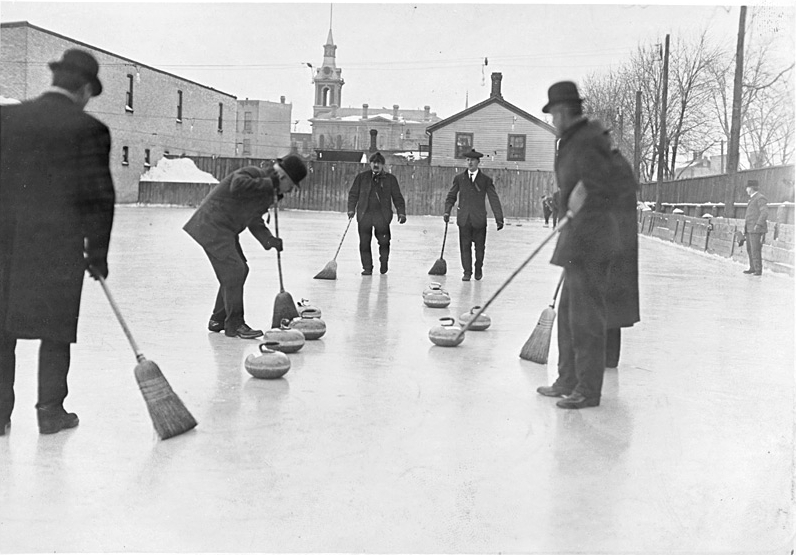 Antepasados canadienses jugando al curling en Ontario (Wikipedia).