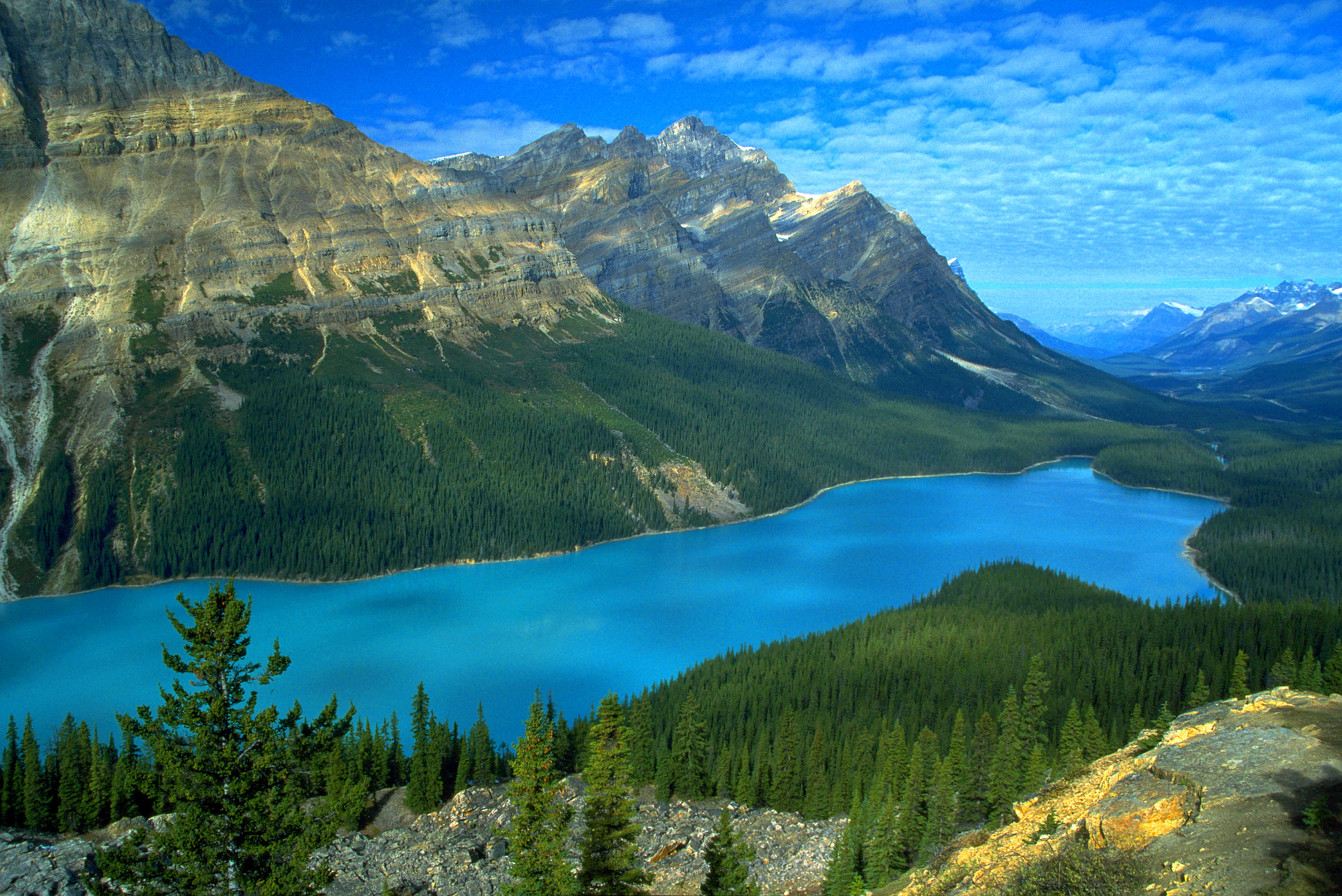 The Top Ten Most Beautiful Lakes In The World