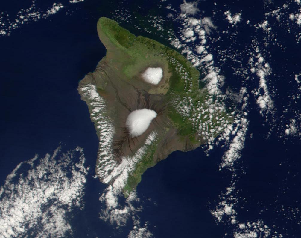 https://i1.wp.com/upload.wikimedia.org/wikipedia/commons/f/fd/Mauna_Loa_Mauna_Kea.jpg