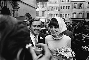 https://i1.wp.com/upload.wikimedia.org/wikipedia/commons/f/fe/Audrey_Hepburn_and_Andrea_Dotti_by_Erling_Mandelmann_-_2.jpg