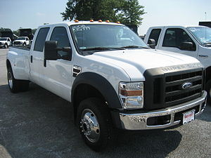 2008 4x4 Ford F-450 Pick up truck.