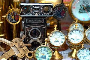 English: Antiques being sold on Colaba Causeway
