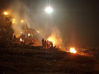 Ejemplo de ghat crematorio en Varanasi