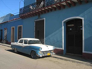 A 'maquina' or 'yank tank' in Trinidad, Cuba, ...
