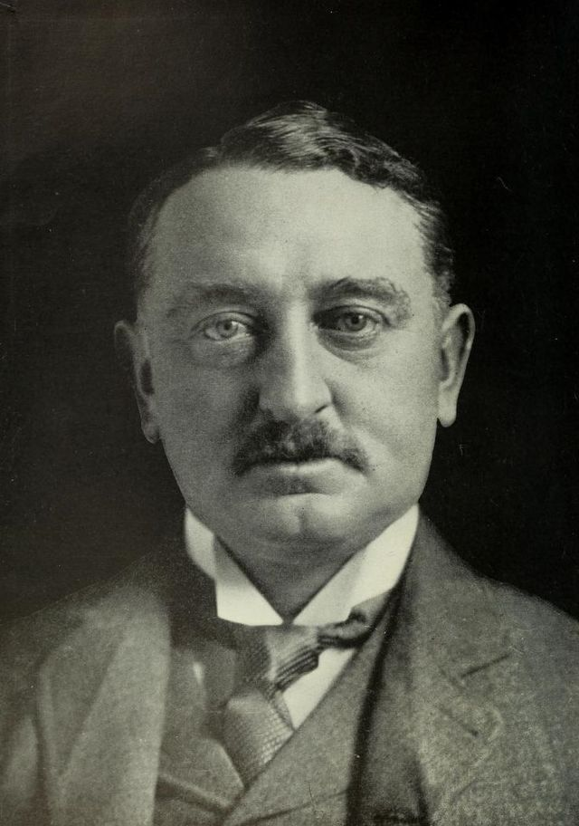 Portrait of Cecil Rhodes.jpg