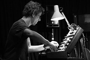 English: Thomas Lehn in concert with Speakeasy...