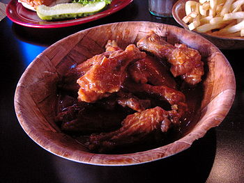 Picture of hot chicken (buffalo) wings from Du...