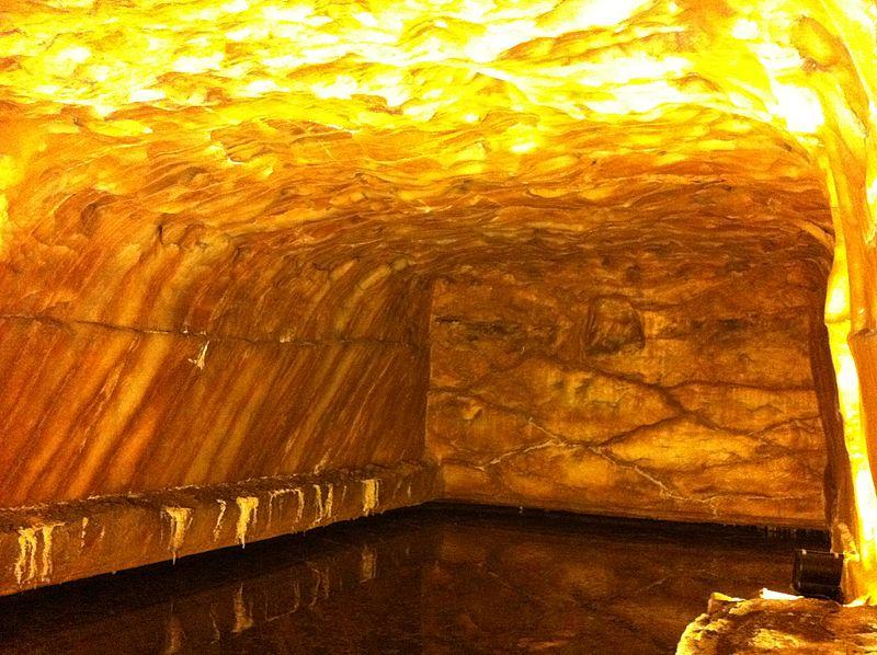 File:Khewra Salt Mine - Mined area from Mughal Times.jpg