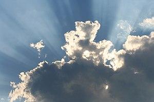 Sunray through clouds Deutsch: Sonnenstrahlen