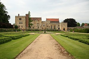 English: Penshurst Place, near to Penshurst, K...