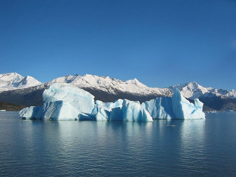 File:Glacial iceberg in Argentina.jpg