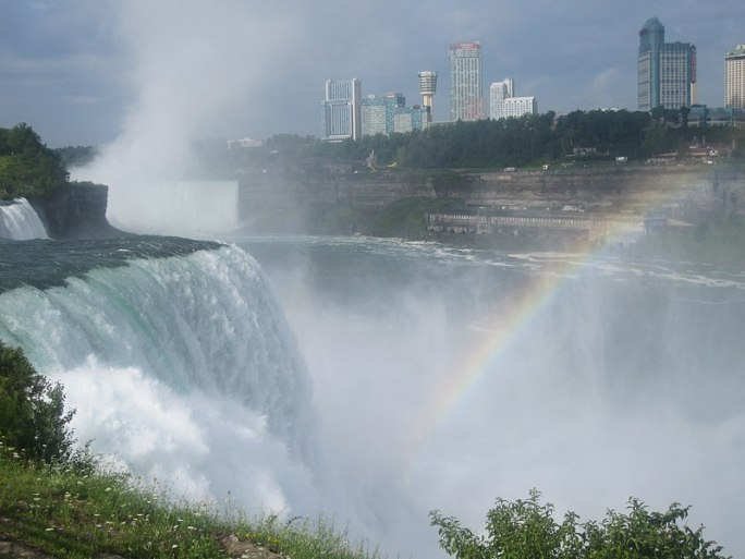 File:Rainbow at Niagara Falls IMG 1331.JPG