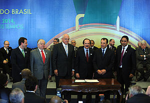 Português do Brasil: Brasilia - Os ministro sd...