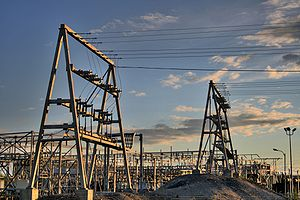 English: Power transmission towers at Northwes...