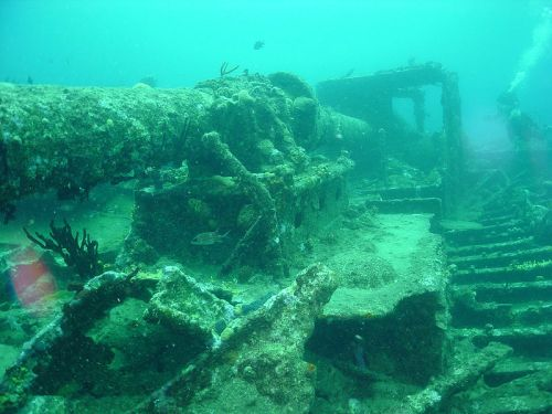 Wreck of the Rhone - Photo from Wikipedia - http://en.wikipedia.org/wiki/File:RMS_Rhone_2003_12.jpg