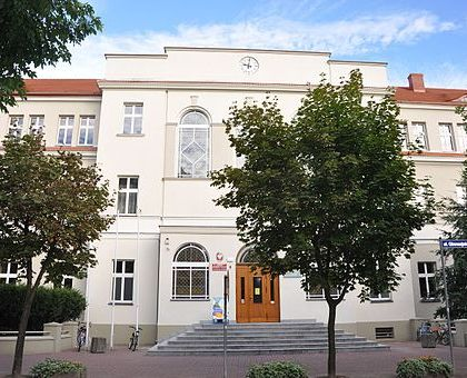 Ostrow Wielkopolski ul Gimnazjalna 9-Gimnazjum Meskie 1845-1925-700 A02