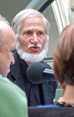 Rupert Neudeck, bei einer öffentlichen Veranst...