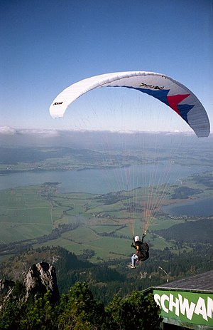 English: Paraglider, Tegelberg (1720 m), Schwa...