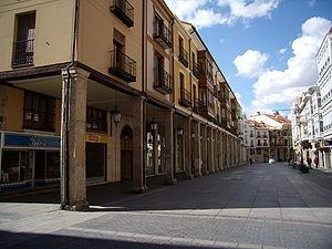 Soportales de la Calle Mayor de Palencia.