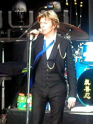 English: David Bowie at the Area2 Festival, Sa...