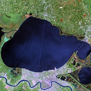English: Landsat 7 image of New Orleans sittin...
