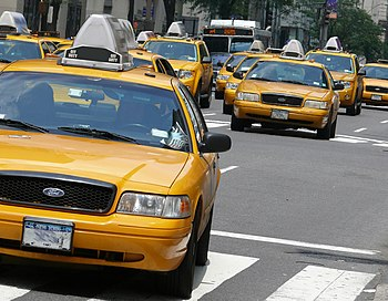 English: Yellow cabs in Manhattan. Nederlands:...