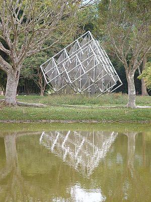 English: Espejo Solar a work of art in metal i...
