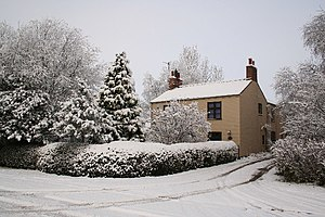 English: Holly Tree Cottage. Holly Tree Cottag...