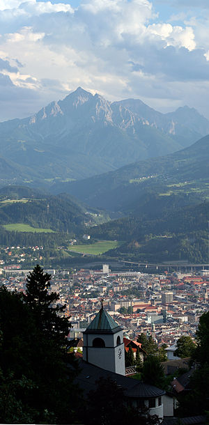 English: View overlooking Innsbruck.