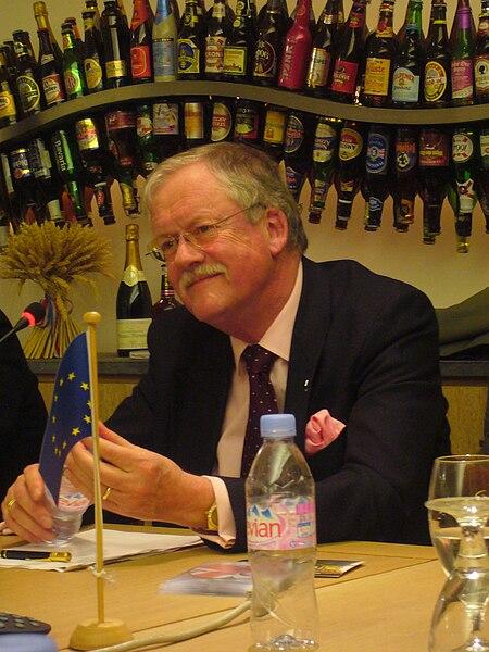File:Roger Helmer in 2008.jpg