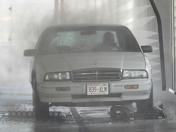 A touchless car wash, which uses high pressure jets of water and detergent to clean with. This typical example was part of a gas station located in Milwaukee, Wisconsin. Category:Images of Milwaukee, Wisconsin