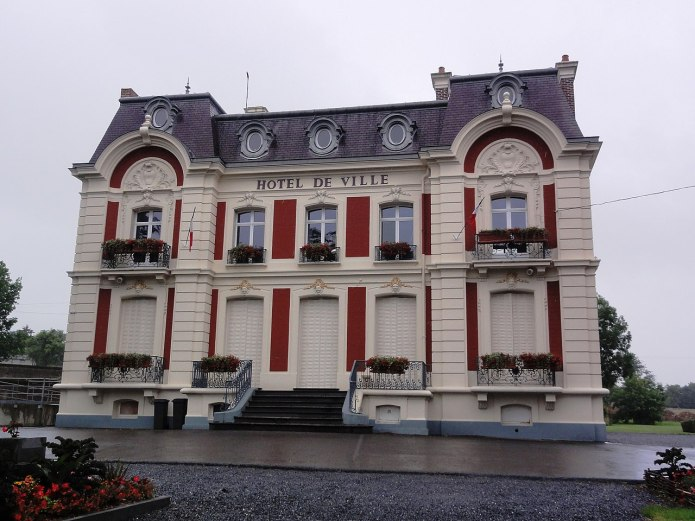 Wignehies (Nord, Fr) mairie.jpg