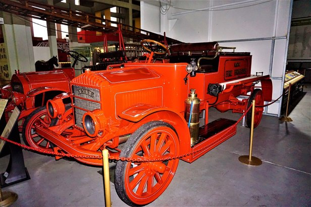 1919 Garford Type 75 Pumper - Joy of Museums