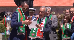 President Marcelo de Sousa awards the Order of Merit to the players of the national football team after their Euro 2016 win.