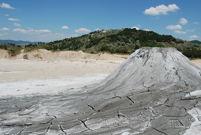 File:RO BZ Berca Mud Volcanoes 6.JPG