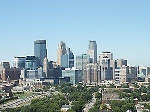 English: Skyline of Minneapolis, Minnesota (US...